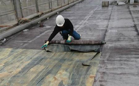 屋根や外装材の解体